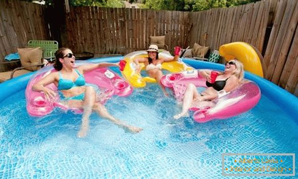 Quality inflatable pool for summer residence - photos with adults
