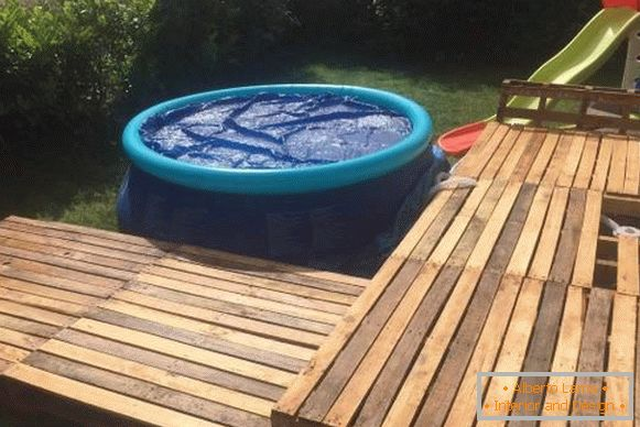 How to make an inflatable pool on the site - on the photo children's pool