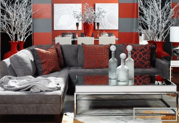 Living room in gray-red tones