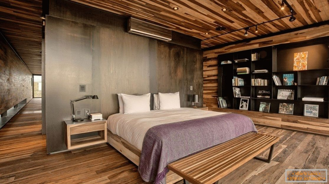 Walls, floors and ceilings are finished with wooden panels
