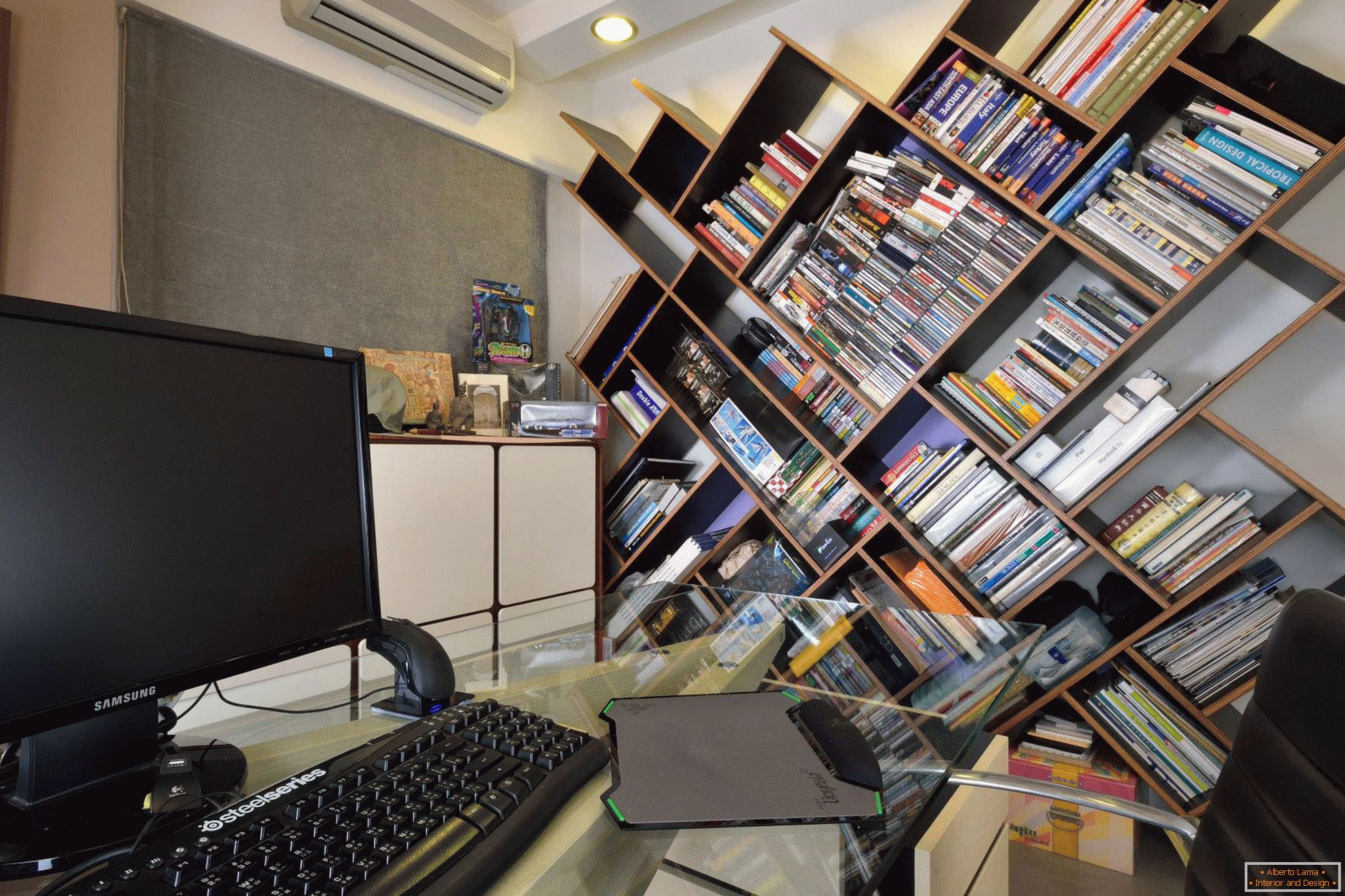 Creative bookcase in the office