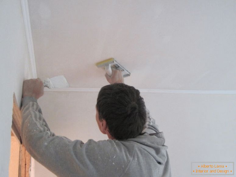 putty-ceiling-with-hands_02-1024х768