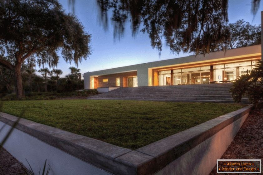Architecture of a country house in Florida