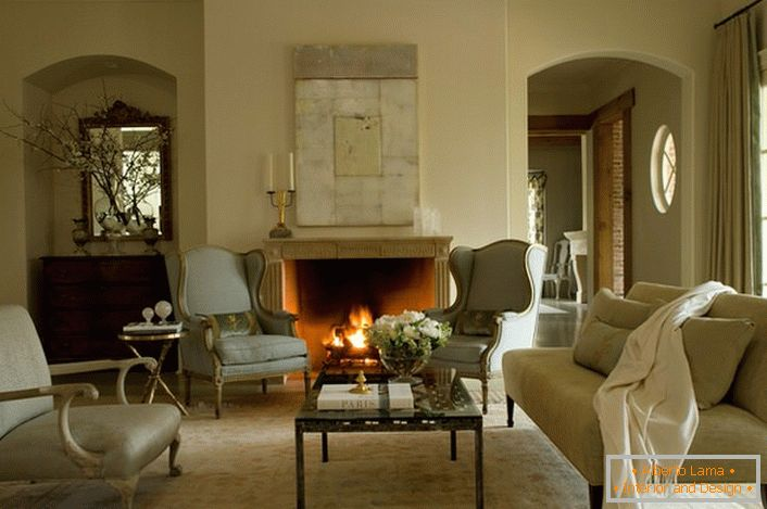 One of the interior elements, preferred for decorating a room in the French style, is a fireplace. A wood-burning fireplace in an elegant panel will not only be an exquisite decorative detail, but also an element of the heating system in the cold season.