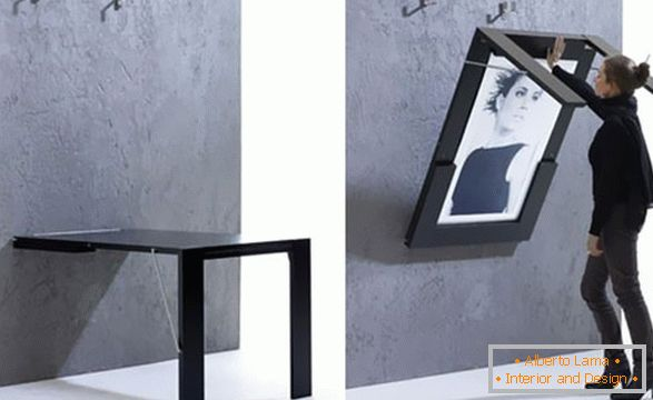 Folding table-picture