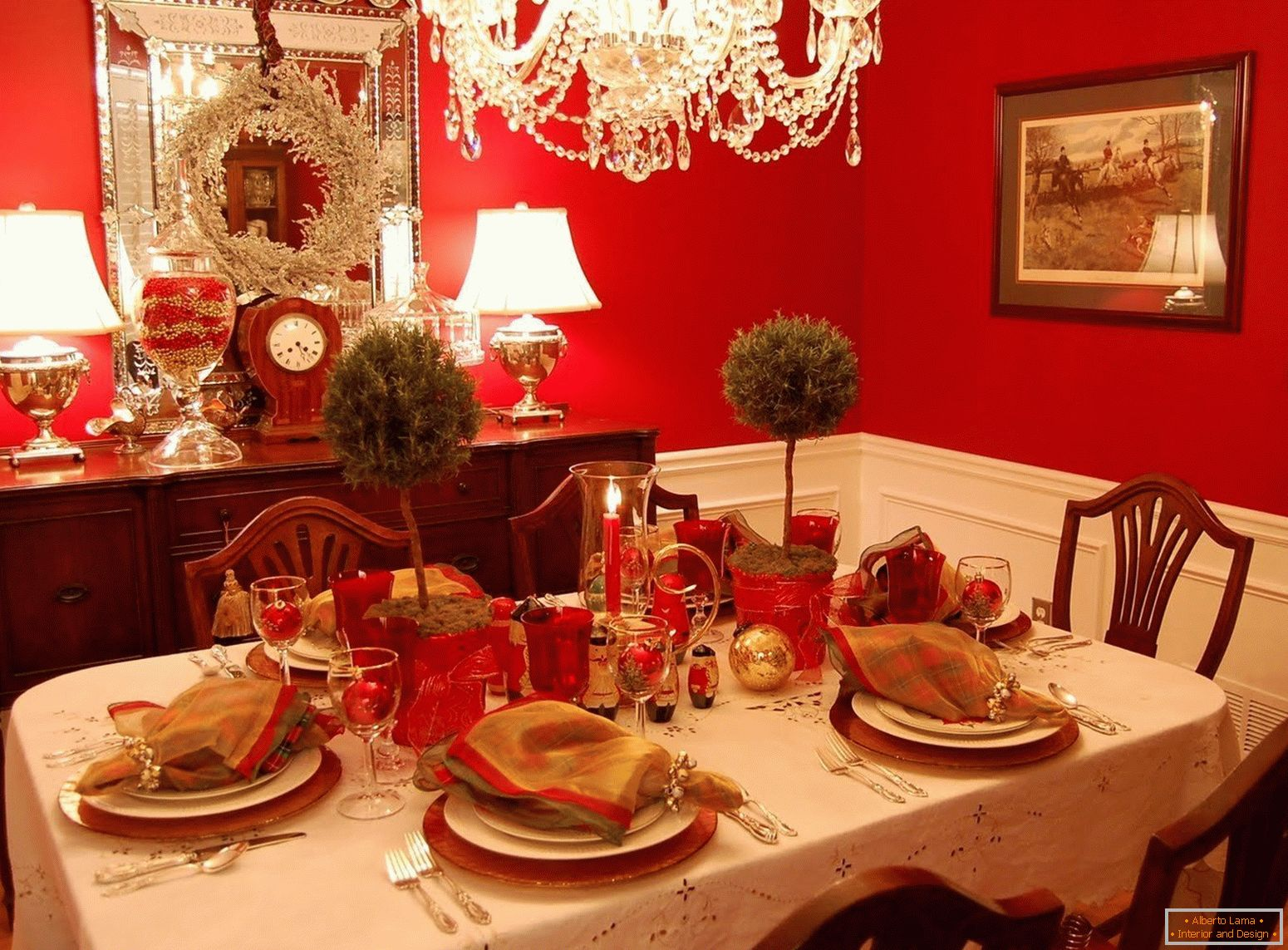 Red walls in the dining room