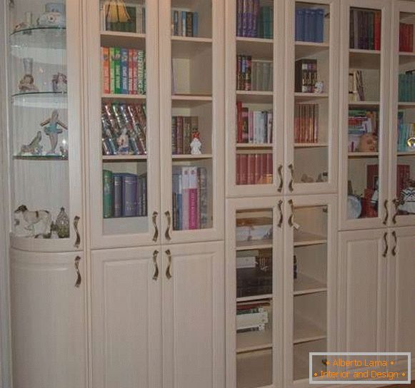 The idea of ​​a bookcase for a living room in white