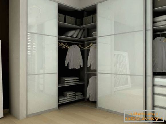 Угловой built-in wardrobe
