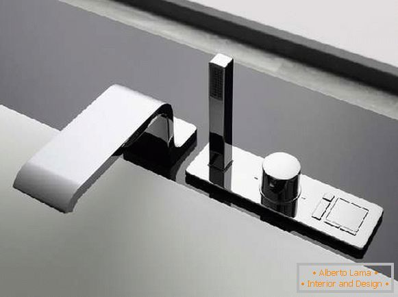 Bathtub faucet with shower, Picture 2