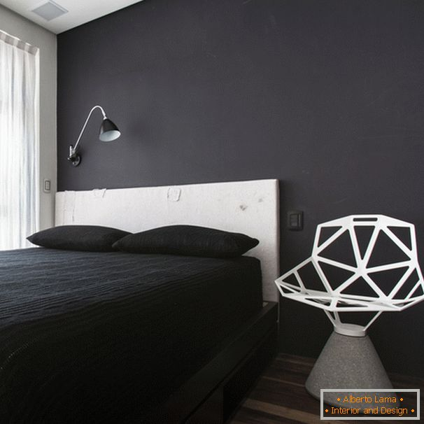 Design of a small bedroom in black