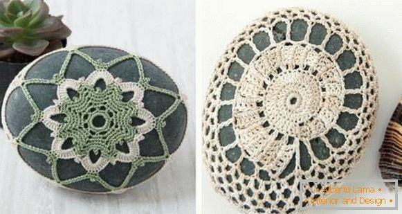 Original ideas for decorating a house of stones with your own hands