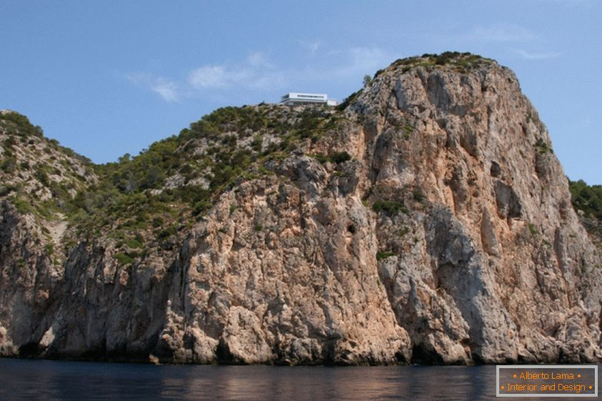 Home of the Rock: AIBS House, Spain