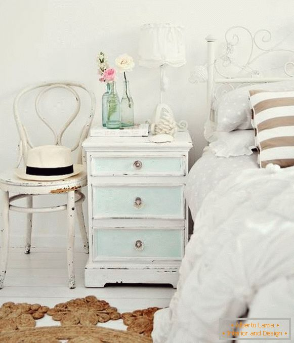 What should be the furniture for the bedroom in the style of the shebbi