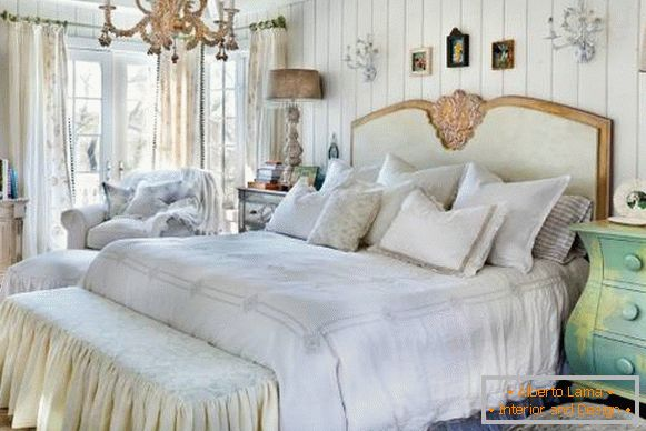 Bedroom in the style of a cheby chic with elements of Provence