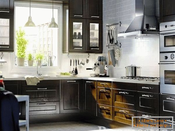 Dark kitchen in the style of Contemporary