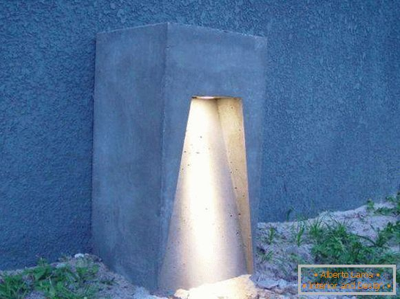 Garden lights with own hands made of concrete