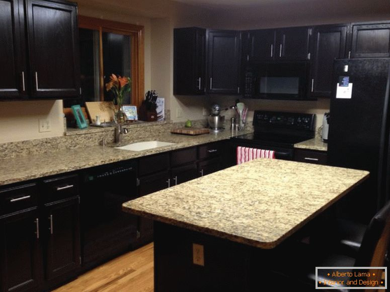 by-dark-brown-wooden-islands_dark-kitchen-cabinets-granite_beige-wooden-laminate-floor_creative-granite-countertop_lovely-overhead-lighting