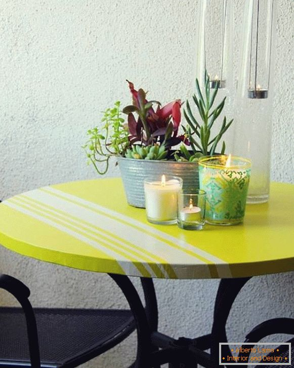 Painting the table: stylish stripes