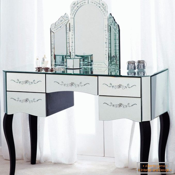 Dressing tables with a mirror for a bedroom photo 28