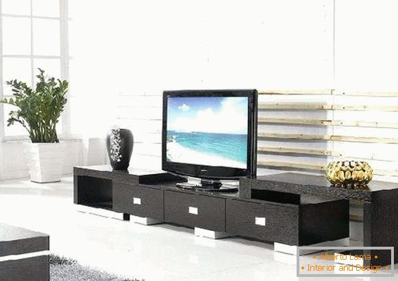 long pedestals under the TV, photo 9