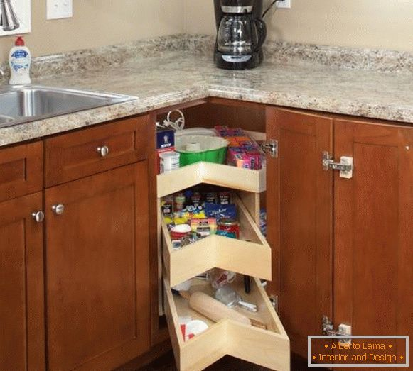 Corner drawers for kitchen by own hands