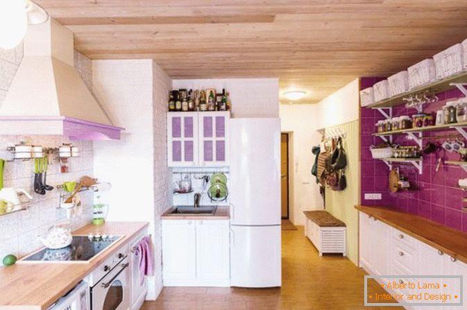Фиолетовые акценты в интерьере однокомнатных квартир